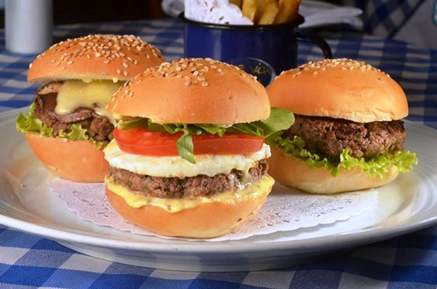 mini cheeseburgers Le Vin